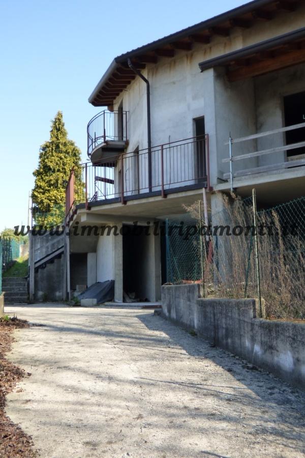 Villa a Schiera in vendita a Dolzago, 4 locali, prezzo € 360.000 | CambioCasa.it